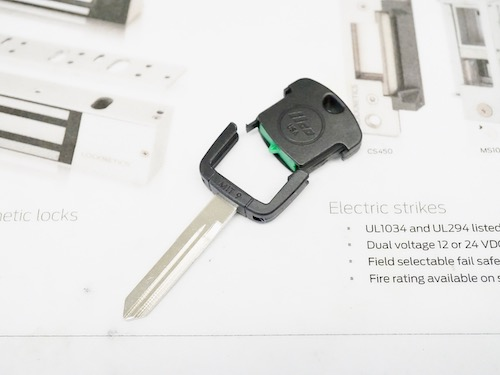 mazda transponder key with black plastic head
